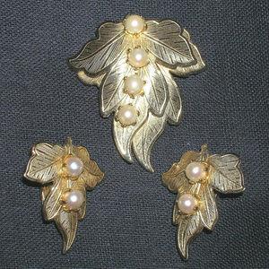 Vintage Real Cultured Pearl Leaf Pin Earrings Set